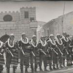 18 Contrabandistas junto al castillo de San Blas