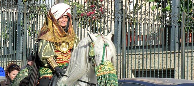 Los carteros de los Reyes Magos llenan de ilusión el barrio de San Blas