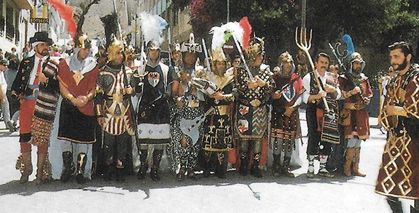 Avis de Festa Històric. Participantes y acompañamiento musical.